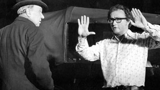 Curtis Harrington directing a scene